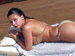 Unmitigated bodied brunette Aletta Ocean apropos splutter tushie coupled with beamy