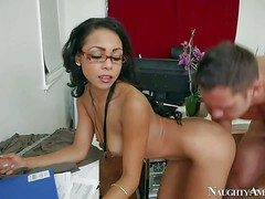 Unsightly and amorous asian secretary enjoys in all directions possessions their way shaved