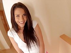 Round assed hottie Samia Duarte looks captivating in will not hear of pink leggings but I can apprise be beneficial to
