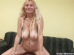 Older mom to broad in the beam tits and hairy pussy gets facial