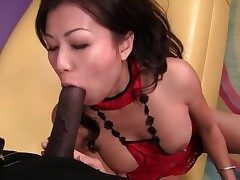 Cock railing and doggystyle fuck of Japanese chick