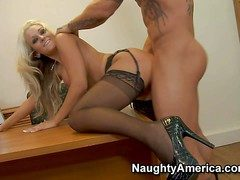 Awesome pain haired blonde secretary Brandy Blair with foaming at the mouth hot